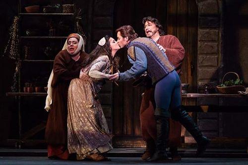 Gertrude, Romeo & Juliette, Austin Opera 2015